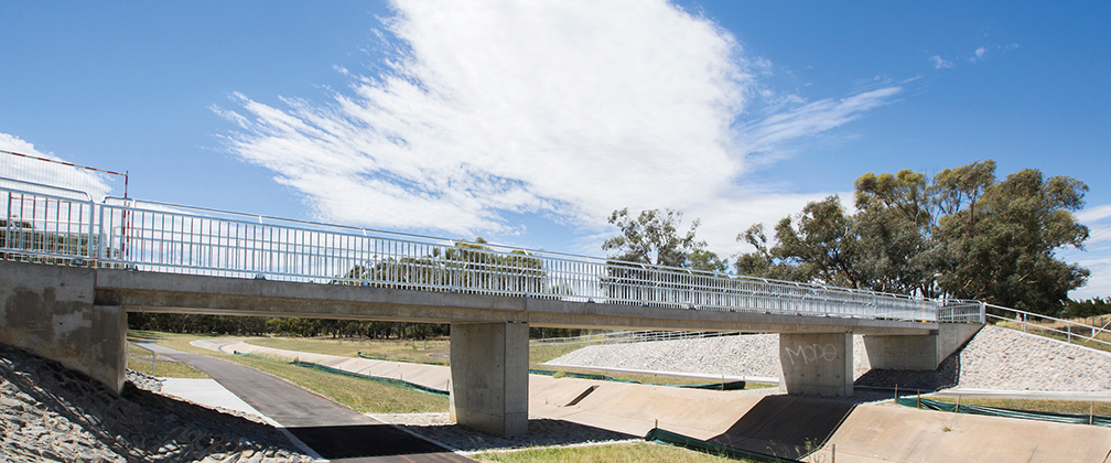 New footbridge over Ashley Drive